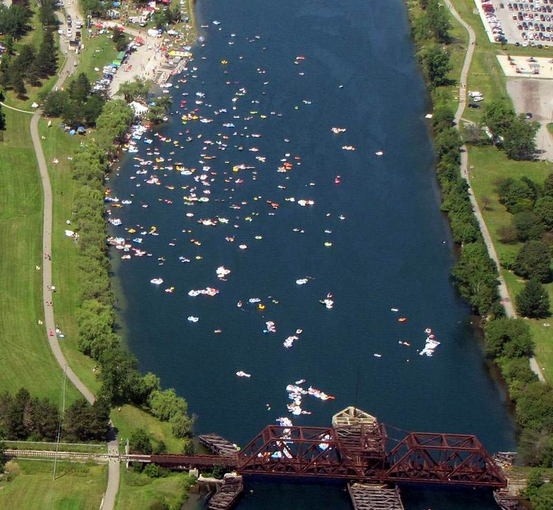 Floatfest in Welland